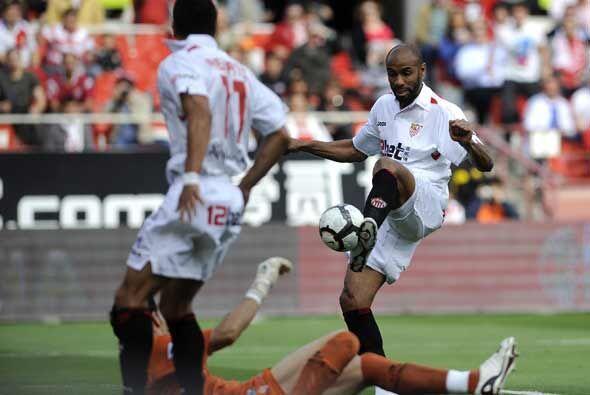 Este gol de Kanuté abrió el partido para el Sevilla, que a partir de ahí...