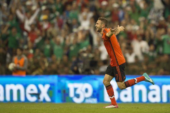 Miguel Layún (8): De los pocos jugadores que intentaron algo dife...