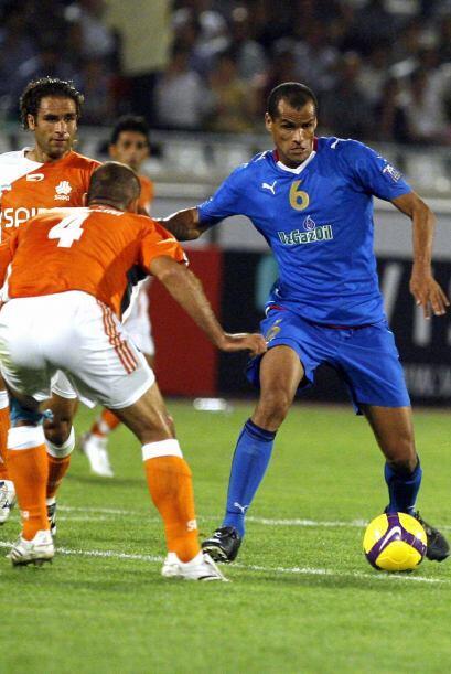 Rivaldo aterrizó en 2008 en el club Bunyodkor de la liga de Uzbek...