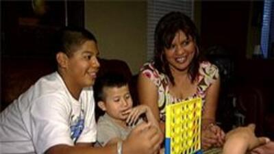 Familia de cuidado temporal que le abrió las puertas a estos 2 pequeñitos.