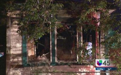 Casa fue consumida por las llamas