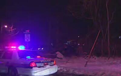 Tres personas muertas en accidente de un automóvil que cayó en estanque...