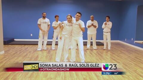 Otra Onda en Noticias 23: Sonia y Raul bailan 'Capoeira'