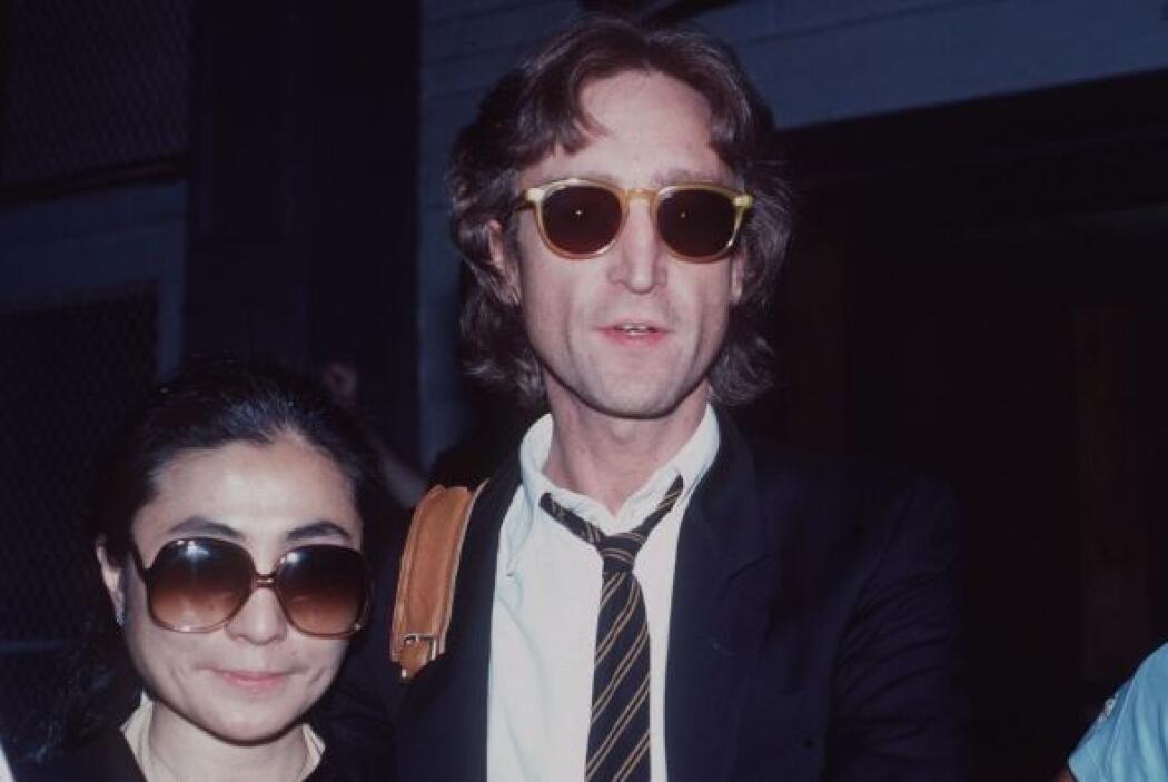 JOHN LENNON El músico británico nunca imaginó que al regresar de una gra...