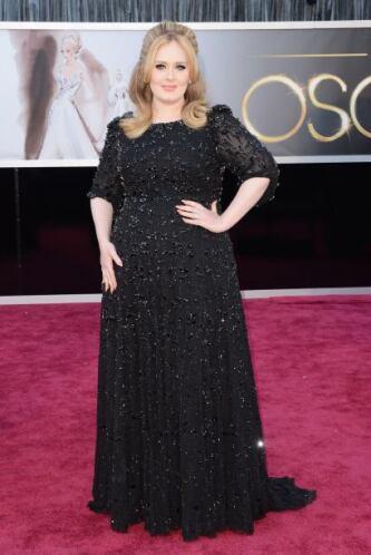 La que ha bajado de peso y luce muy bien es Adele, quien no tiene mucho...