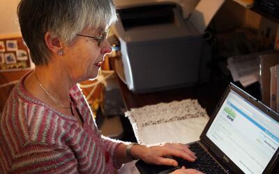Aparatos y aplicaciones de gran utilidad para personas de la tercera edad