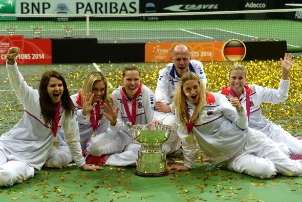 Las checas se llevaron su octavo título mundial al ganar la serie 3-1 y...