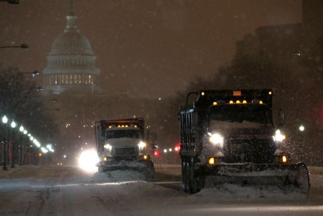 En Virginia, el Departamento de Transporte indicó que 2,500 de sus emple...