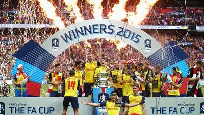 Arsenal levantó el trofeo de Copa