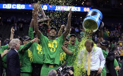 Oregon ya espera rival en el Final Four.