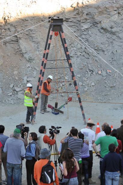 5 de septiembre:  Se cumple un mes de que los mineros quedaron atrapados...