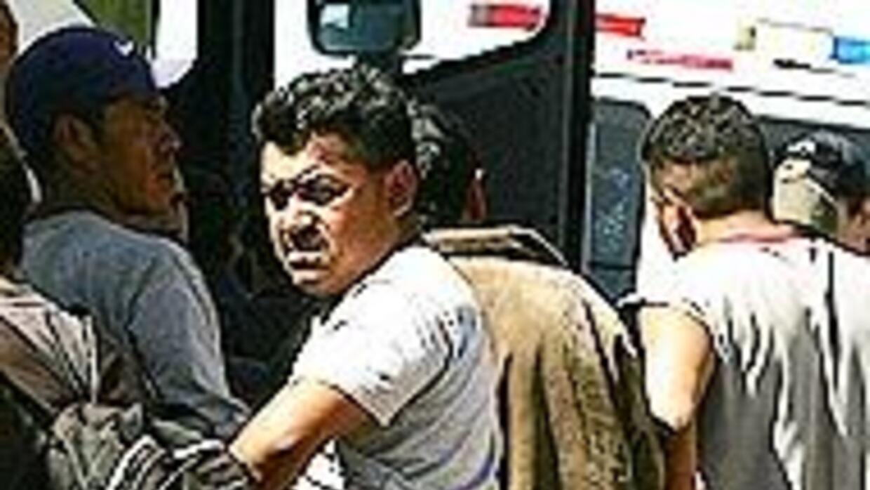 Bajó el número de inmigrantes indocumentados en Arizona 09f3bdd270874496...
