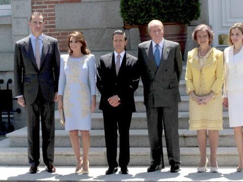 Angélica Rivera se fue a España con su esposo, Enrique Pe&...