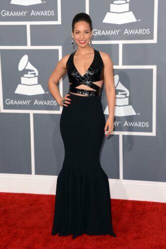 Alicia Keys siempre había aparecido muy tapadita y justo este año le val...