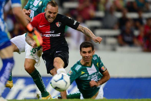 Rafa Márquez recibe en el Nou Camp al equipo que lo vio nacer como jugad...