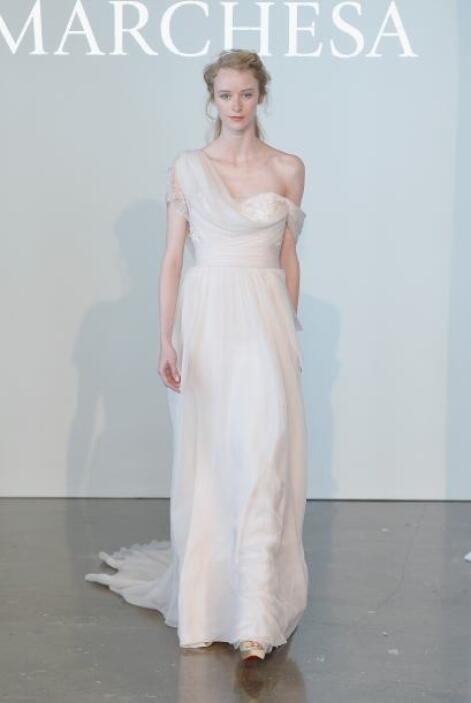 Aquí los mejores modelos de la diseñadora Marchesa.