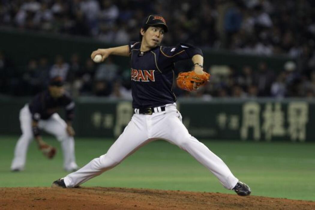 En el picheo el abridor Kenta Maeda ponchó a nueve bateadores en cinco e...