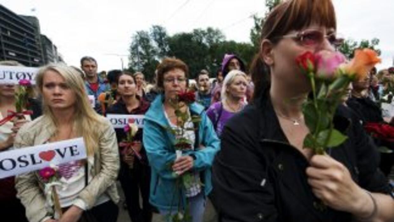 La masacre de Oslo, en la que murieron 76 personas, tiene conmocionada n...