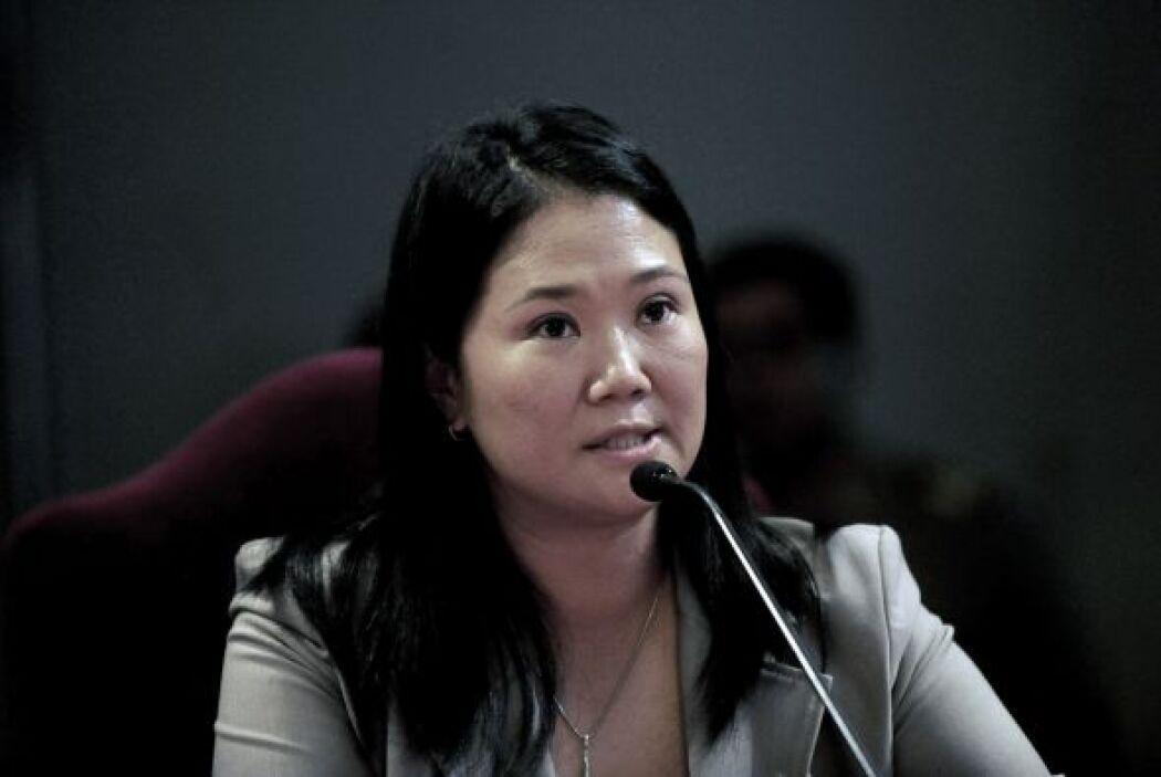 Keiko Fujimori también bajó mientras que Castañeda se mantuvo igual.