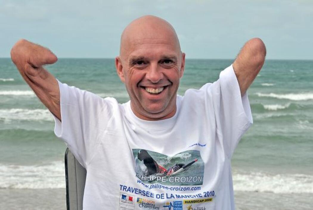 Croizon fue noticia en el 2007 al lanzarse en paracaídas desde un avión....