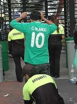 El hecho de tener una camiseta del capitán mexicano en el duelo ante Tri...