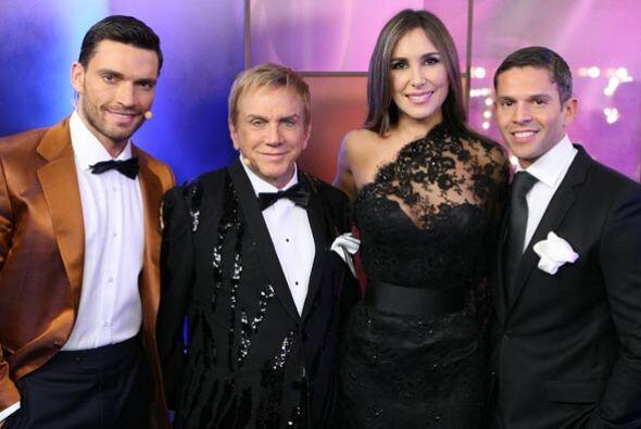 Julián y Osmel posaron con Rodner Figueroa y Natalia Streignard, present...
