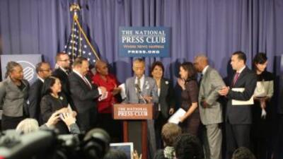 Clarissa Martinez-De-Castro en la conferencia de prensa de la unidad.