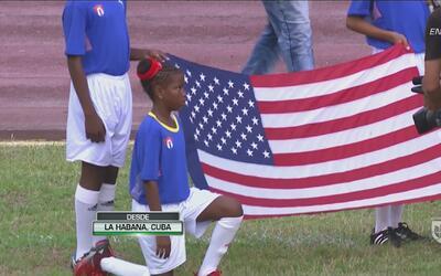 El histórico momento en el que 'Team USA' escuchó su himno en la cancha...