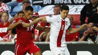 Lewandowski fue figura de los polacos con 4 goles.