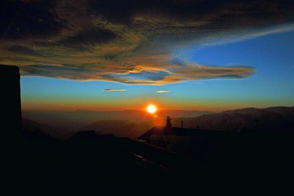 La puesta del sol desde el centro de esquí de El Colorado.