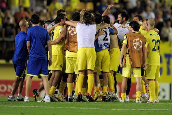 Carlos Marchena cerró el triunfo del Villarreal por 3-0, que ahora esper...