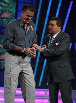 Ron Magil llegó a Sábado Gigante para ayudar al Don a enco...