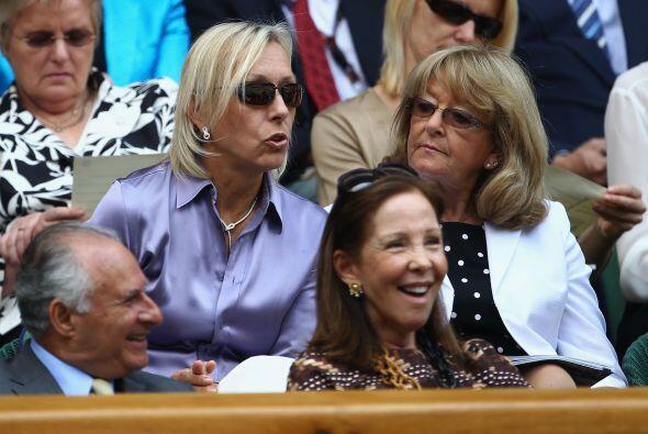 Martina Navratilova estuvo en las gradas del All England Club disfrutand...