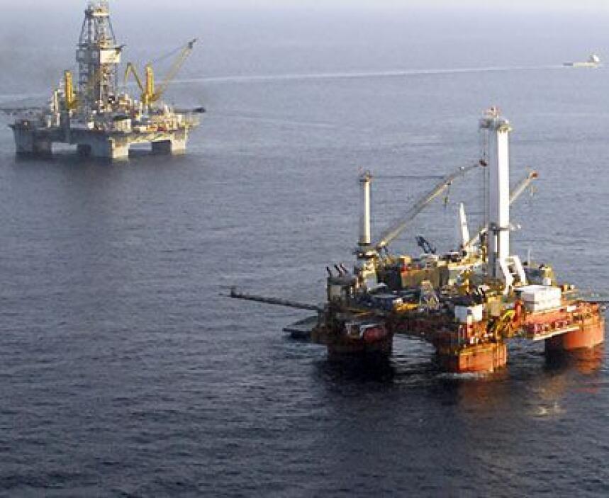 Excavaciones marítimas y accidentes: La necesidad de buscar petróleo, no...