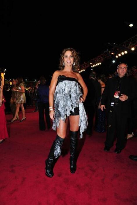Con este peculiar modelito, Lucero atrajo las miradas en 2011.