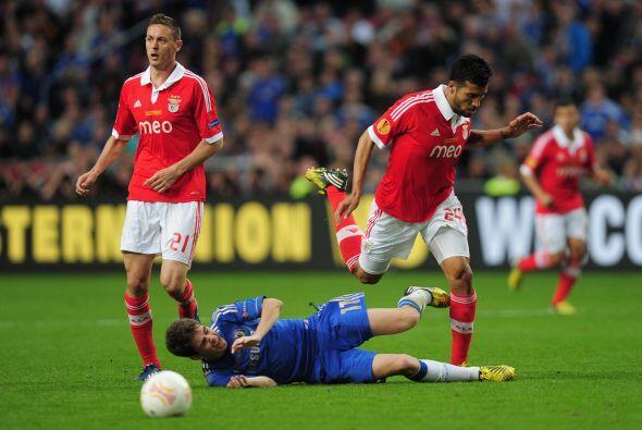 Así iban pasando los primeros minutos y un Benfica atrevido no ab...
