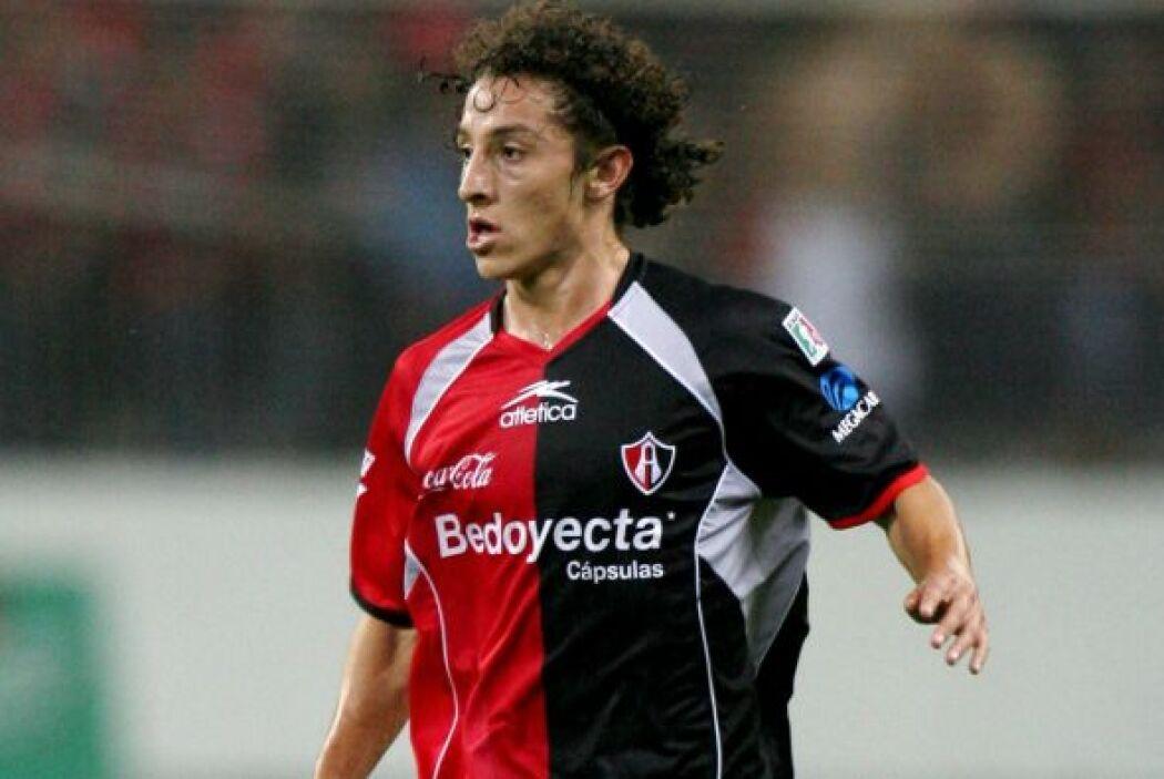 El Atlas tuvo que ceder al sueño de Andrés Guardado de jugar en Europa....