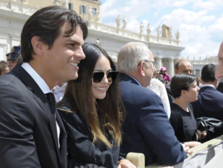 Ximena y su esposo con el Papa
