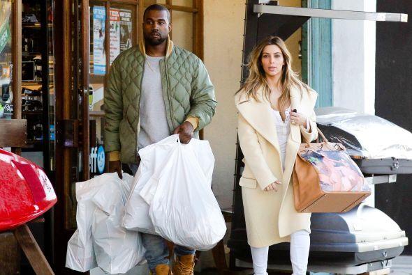 El bolso fue el regalo que le dio Kanye en Navidad. Mira aquí los videos...