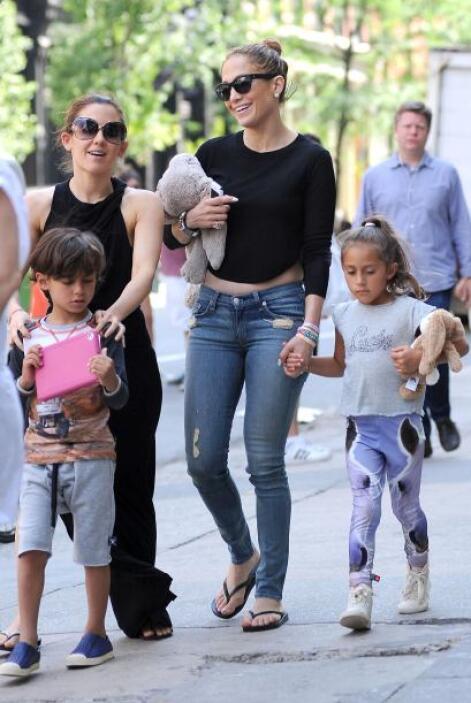 Otra mamá con hijos 'fashionistas' es JLo, sus mellizos Max y Emme van p...