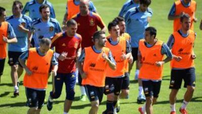 España entrena para preparar su partido ante Haiti.