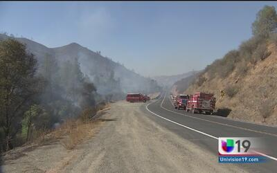 Incendio forestal en Toulumne consume cientos de acres
