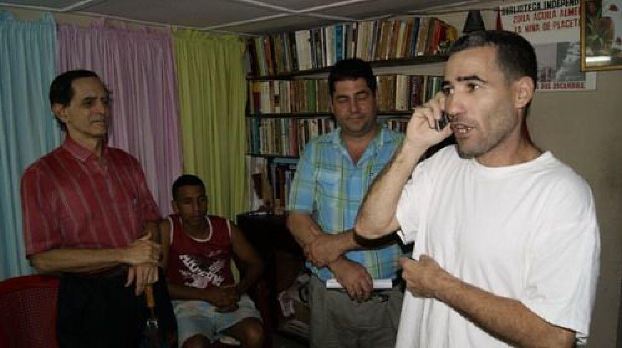 Calixto Ramón recalca que el escritor Ángel Santiesteban-Prats, autor de...