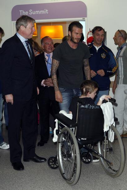 Gran trabajo de Beckham, que combina su labor de estrella del fút...