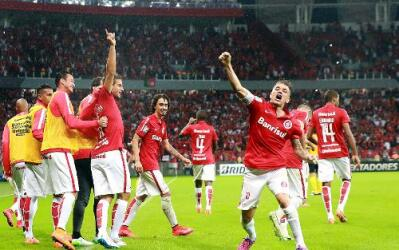 El equipo brasileño se impuso 2-1 en el marcado global.