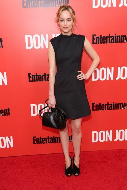 Muy fiel a su estilo clásico fue Dakota Jonhsson, quien apostó por el ne...