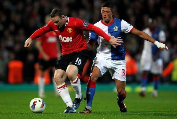 Peor el gol no llegaba, ni Wayne Rooney y su peligrosidad en el á...