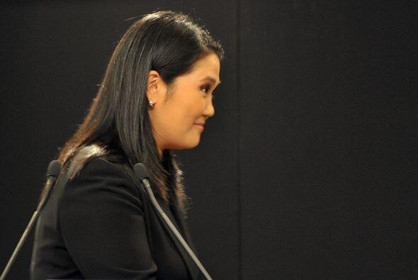 Fujimori se encuentra segunda en las encuestas por lo que sabe que debe...