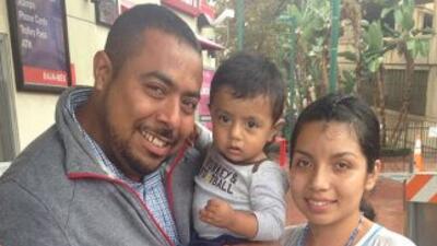 Uno de los cuatro inmigrantes del segundo grupo de mexicanos que volvió...