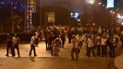 Al menos 30 personas murieron el viernes y otras 1,076 resultaron herida...